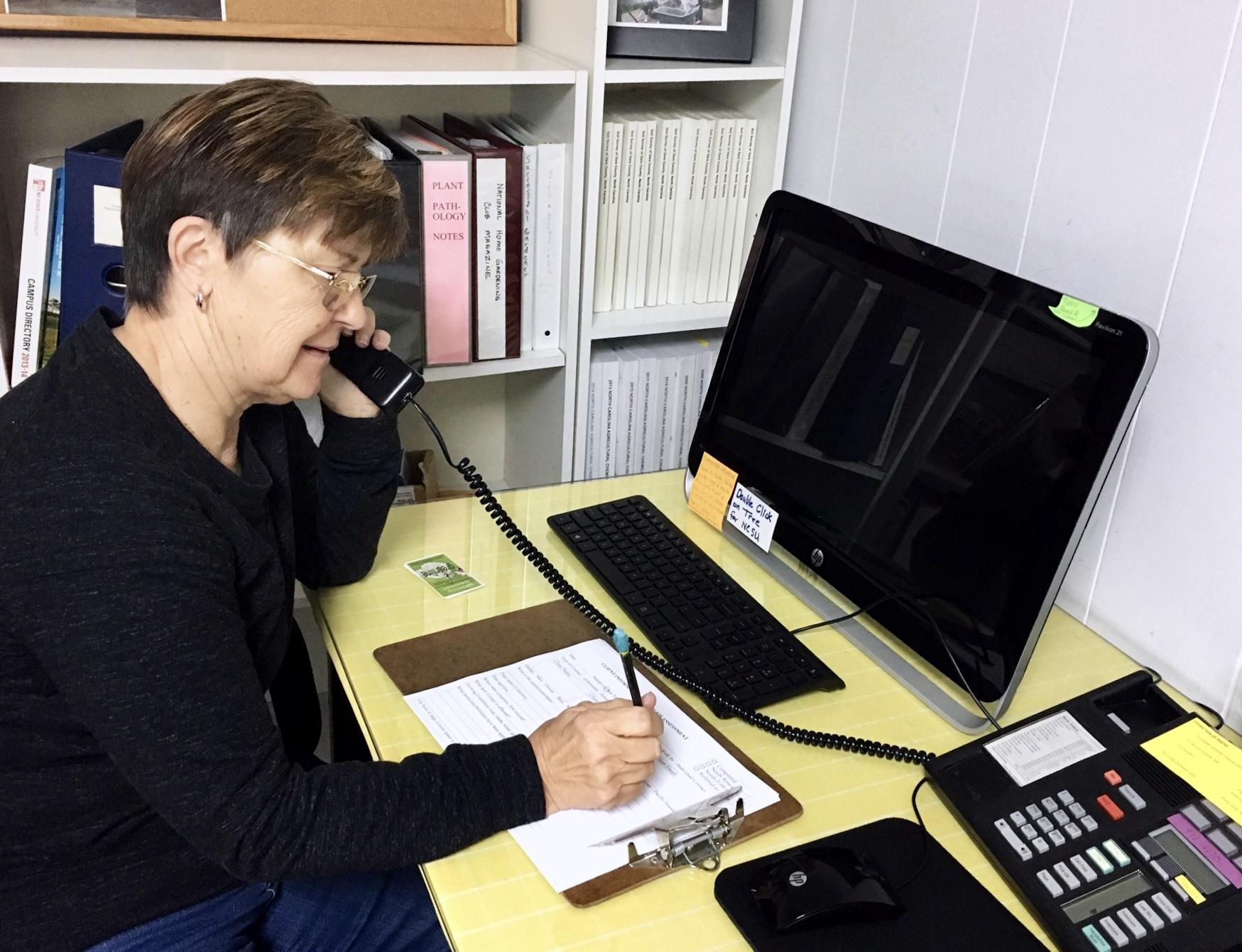 volunteer on the phone